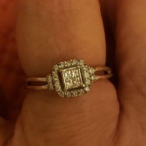 10k solid gold diamond ring